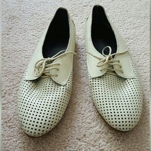 American Apparel Lace Up Flats